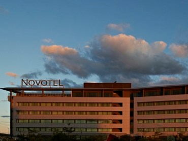 Novotel Brisbane featuring Kingspan's Mini Micro panels