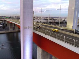 Bolte Bridge safety barrier created with X-TEND mesh screens and cables