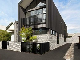 Simple palette with Petersen D91 bricks brings Port Melbourne home to life