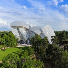 Frank Gehry's 'cloud of glass' museum opens in Paris