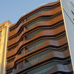 Sydney building designed using 'liquid architecture' by architect Tony Owen