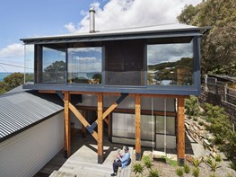 Timber-box addition brings ocean views to a Victorian beach shack