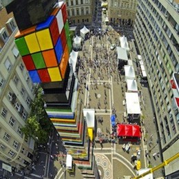 LEGO tower sets new world record in Budapest