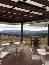 Yarra Valley venue selects HEATSTRIP Classic radiant heaters for outdoor heating