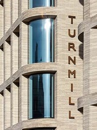The Turnmill Building in London wins 2016 UK Brick Award for Petersen brick facade