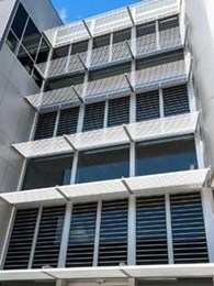 Case Study: Motorised louvre windows maximise ventilation at Frankston TAFE