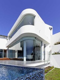 Architect's vision for Vaucluse residence comes to life with BCG curved glass panels