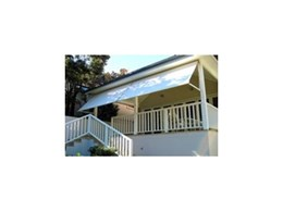 Drop arm awnings from Sunmaster