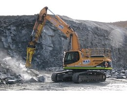 Hyundai crawler excavators punch above weight in WA quarrying operation
