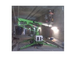 Track-mounted mobile hydraulic work platforms from Kennards Hire used for Gateway Bridge project in Brisbane
