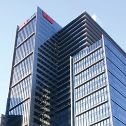 Is full height glazing on the way out for Australian commercial buildings?