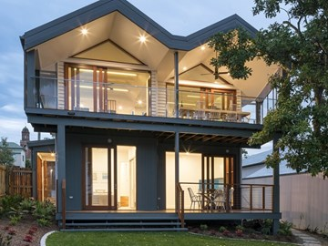 Studio 15b build 'in-and-under' raised 1950s Brisbane home