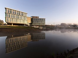 Beating the weather: Werrington Park Corporate Centre by Architectus
