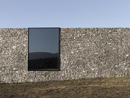 D'Entrecasteaux House: embracing the landscape, rejecting the elements