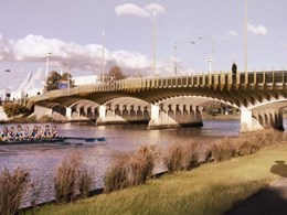 """I feel like a fool"": incorrect plans derail Melbourne bridge upgrade"