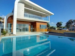AWS windows and doors help modern home connect with panoramic views in Sawtell, NSW