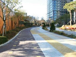 Lowering the urban heat island effect with Hydropavers