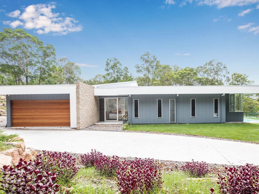 A striking modernist home in rural Queensland
