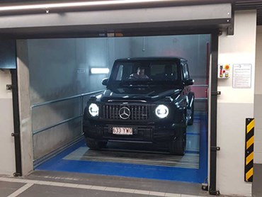 LevantaPark car lift at the new Mercedes-Benz Autohaus