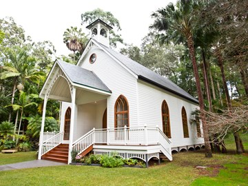 A sustainable chapel celebrating Australian timber