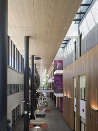 Jacobs achieve welcoming atmosphere in award winning hospital atrium