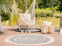 Selecting the right outdoor rug for your composite decking