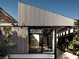 Former Melbourne workers' cottage sees the light