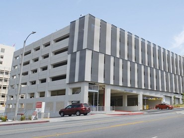 Kaynemaile mesh screens at Loma Linda University carpark