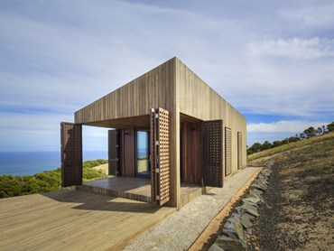 Residential Exterior Award: Moonlight Cabin by Jackson Clements Burrows. Photography by JCB
