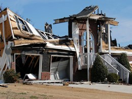 How a bushfire can destroy a home