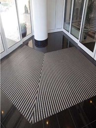 Premium aluminium entrance matting from Korb offering excellent moisture removal