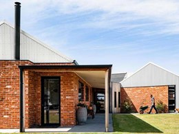 Carinya doors and windows help modern home achieve energy savings and views