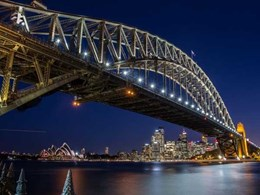 Heritage look on iconic Sydney Bridge restored with resurrected bronze lanterns