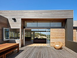 Capral sliding doors maximise views to rugged landscape at St. Andrew's Beach house
