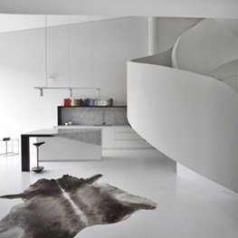 Award winning loft manipulates conventional forms in interior design