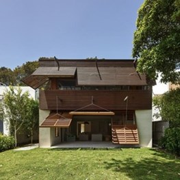 Andrew Burges Architects balance old, new and private with Pittwater House