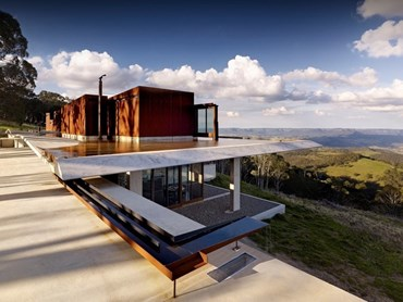 Invisible House, Hampton, Australia by Peter Stutchbury Architecture. Photography by Michael Nicholson