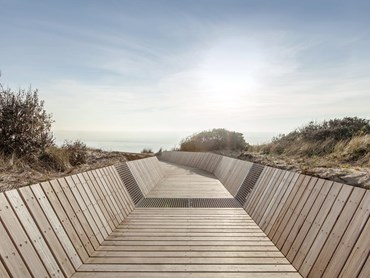 McCulloch Avenue Boardwalk by Site Office (Overall Winner). Photography by Lisbeth Grosmann