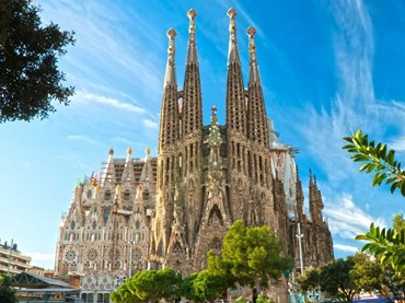 Sagrada Familia, Barcelona by Antoni Gaudi. Image: Business Insider