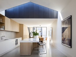 Port Melbourne House: Spatial drama in the city