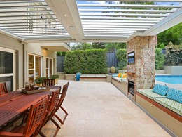 Keeping cool in summer with a Vergola opening roof