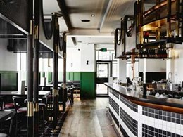 Iconic heritage hotel in St Kilda installs custom stage in public bar