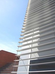 Roller blinds help Edith Cowan University Building 34 meet energy efficiency goals