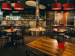 4 EcoSmart fires around column draw attention at Wollongong waterfront restaurant